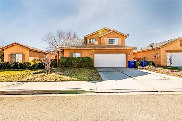 13131 Fullerton Drive, Victorville CA: http://media.crmls.org/medias/b83cf181-3efe-465b-bc17-3ded707f9935.jpg