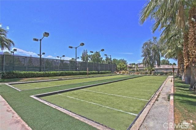 61445 Living Stone Drive, La Quinta CA: http://media.crmls.org/medias/b8442478-ea74-4526-9b19-0e6bca8c3f98.jpg