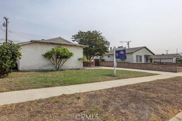 11333 Farndon Street, South El Monte CA: http://media.crmls.org/medias/b84f1045-4f40-4bea-b2b1-2963a5b7a40f.jpg