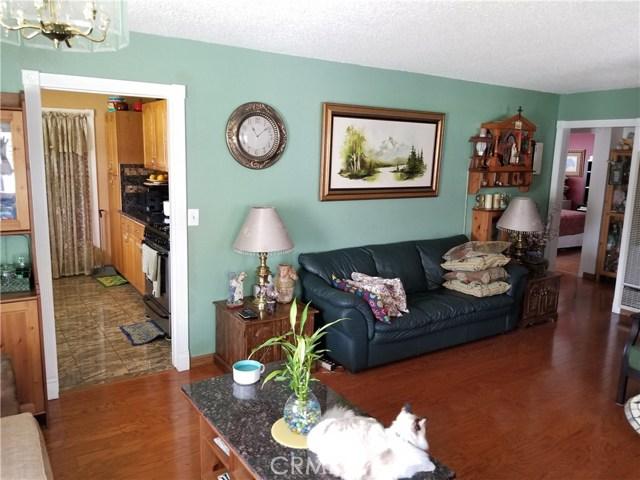 4817 N. Midsite Ave., Covina CA: http://media.crmls.org/medias/b8647677-5eb9-4b9f-95e8-3c61925664f9.jpg