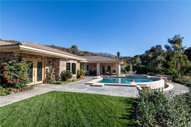 Single Family Home for Sale at 39450 Oak View Lane Cherry Valley, California 92223 United States