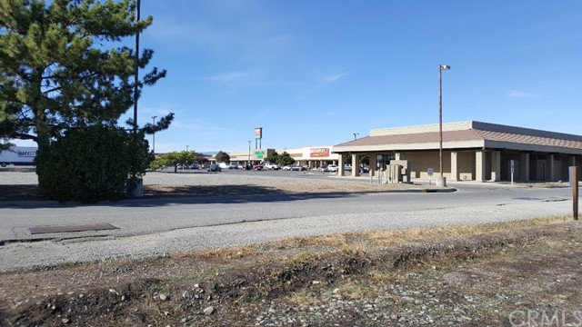 0 South - 6th, Orland CA: http://media.crmls.org/medias/b877b10a-35fd-4bf7-b377-9a4270089b0b.jpg