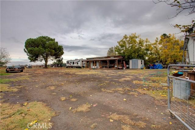 7340 Carmellia Avenue, Dos Palos CA: http://media.crmls.org/medias/b8821a87-f814-4d8f-adc6-3020f2574304.jpg