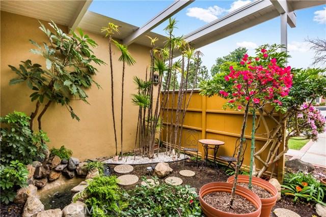 5556 E Lonna Linda Dr, Long Beach, CA 90815 Photo 3