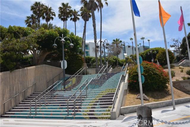 520 The Village 111, Redondo Beach, CA 90277 photo 31