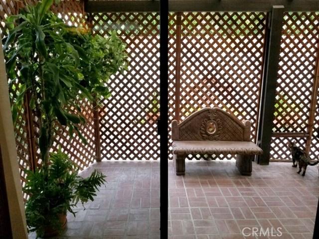 11864 Los Alisos Circle, Norwalk CA: http://media.crmls.org/medias/b8955395-7386-4a39-8bcd-942ebdf2f708.jpg
