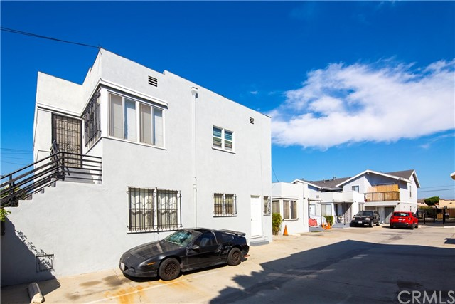 1140 Orange Avenue, Long Beach CA: http://media.crmls.org/medias/b89757cf-4e8b-476e-b50e-52aef52ba451.jpg