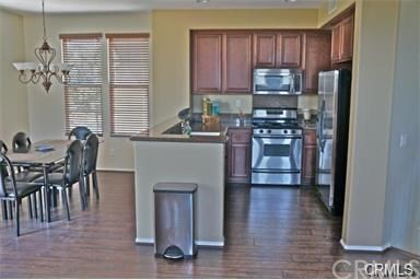 321 Tall Oak, Irvine CA: http://media.crmls.org/medias/b897ddda-7b7e-4964-8c93-4a41c528c467.jpg