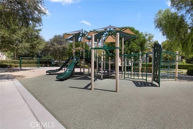 15 Attleboro Street, Ladera Ranch CA: http://media.crmls.org/medias/b89dba84-9c23-4220-a6de-6072be4c8735.jpg