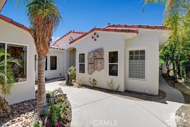 455 Indian Ridge Drive, Palm Desert CA: http://media.crmls.org/medias/b89e37ef-d6f2-4689-85b7-c726101340e9.jpg
