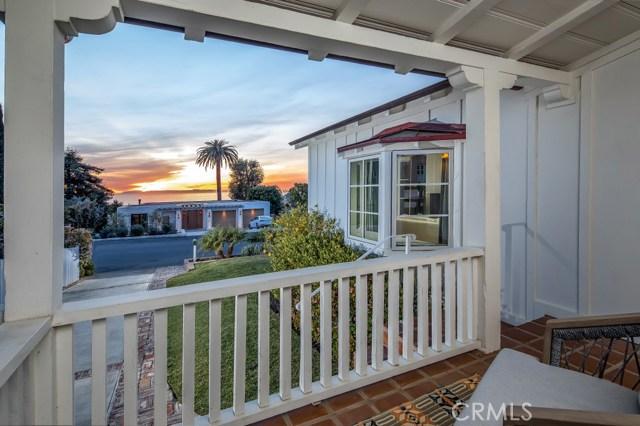 460 Blumont Street, Laguna Beach CA: http://media.crmls.org/medias/b8a97b81-26aa-46a3-80cb-e31fba17976c.jpg