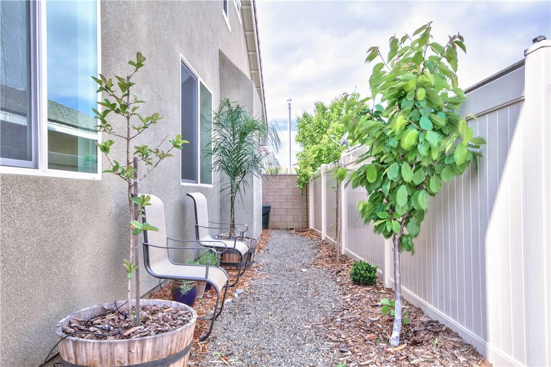 38162 Summer Ridge Drive, Murrieta CA: http://media.crmls.org/medias/b8ac3006-7cfb-41a5-a32f-5d9d549dd86e.jpg
