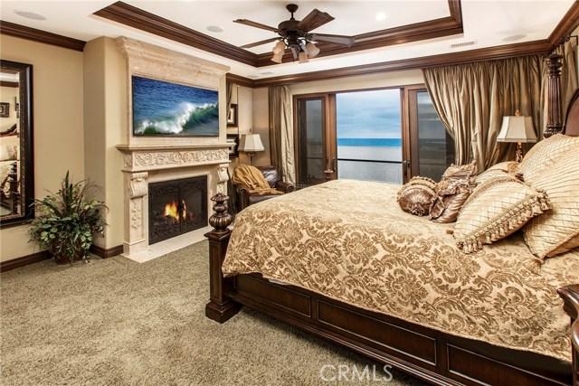 1414 W Oceanfront, Newport Beach CA: http://media.crmls.org/medias/b8b7567e-f9d9-41b4-9c18-dd7054c04551.jpg