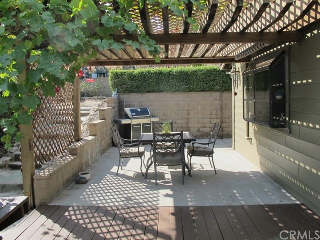 422 Fairview Lane, Paso Robles CA: http://media.crmls.org/medias/b8cbef2a-2f37-4edb-ae52-459e66b47f54.jpg