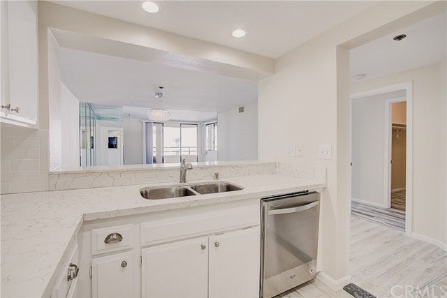 520 The Village 313, Redondo Beach, CA 90277 photo 10