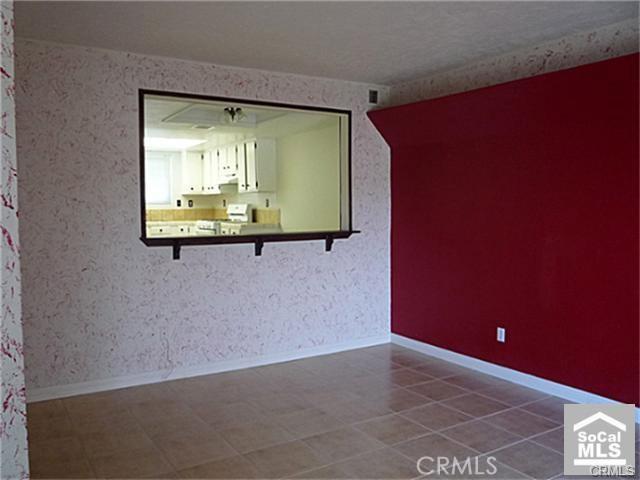 16465 Green Tree Boulevard, Victorville CA: http://media.crmls.org/medias/b8db6991-49ad-402b-b97e-548d0150fd5f.jpg