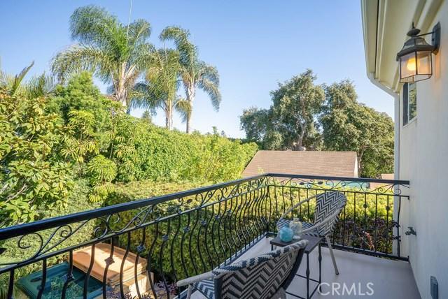 1274 Owosso Avenue, Hermosa Beach CA: http://media.crmls.org/medias/b8ddb398-158f-48ff-a549-63584bd1a1a4.jpg