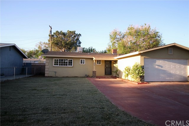 Single Family Home for Rent at 828 Avenue J12 W Lancaster, California 93534 United States