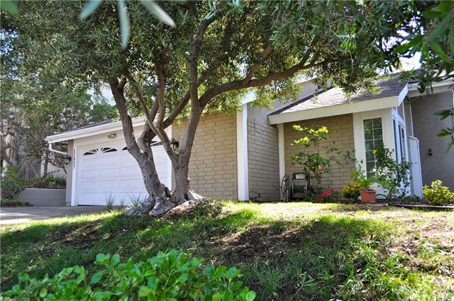 Single Family Home for Sale at 23907 Ash Lane Mission Viejo, California 92691 United States