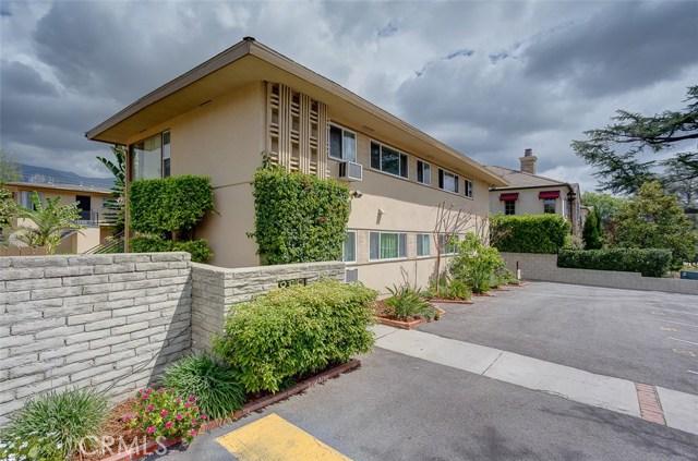 865 W Huntington Drive, Arcadia CA: http://media.crmls.org/medias/b930f18f-98b2-4f71-a0fa-09daca8777c6.jpg