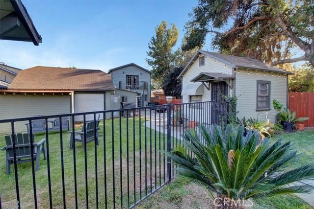 607 Royce Street, Altadena CA: http://media.crmls.org/medias/b930f6b7-47d5-4cbd-a58e-f6ad927a9125.jpg