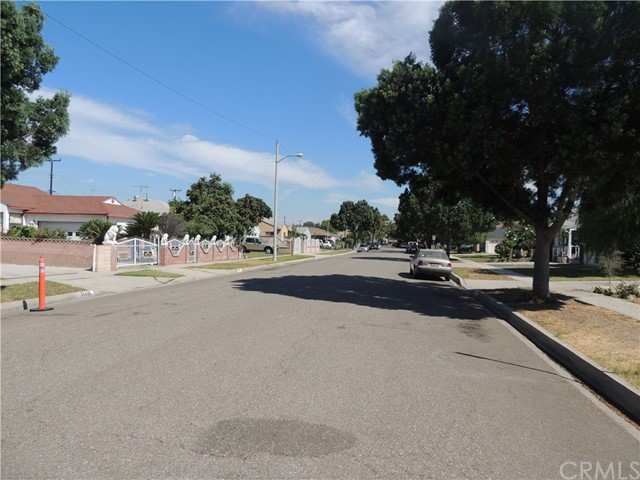 15502 Crossdale Avenue, Norwalk CA: http://media.crmls.org/medias/b9475275-65fb-4617-bba5-ad5876b2b9cd.jpg
