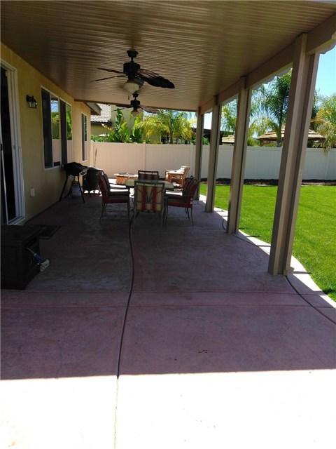 35723 Murren Road, Wildomar CA: http://media.crmls.org/medias/b94faaa4-079b-4af8-9ac7-c6ec949a93bd.jpg