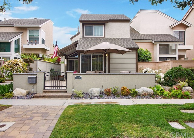 Detail Gallery Image 1 of 1 For 512 19th St, Huntington Beach, CA 92648 - 2 Beds | 2/1 Baths