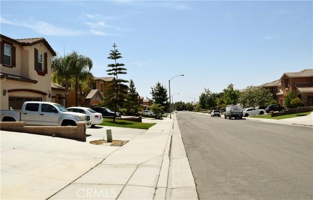19941 Paso Robles Drive, Riverside CA: http://media.crmls.org/medias/b95451e9-486a-42d2-bc20-46f91c7327cc.jpg