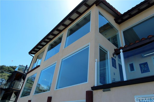 Casa Unifamiliar por un Venta en 150 Middle Terrace Road Avalon, California 90704 Estados Unidos