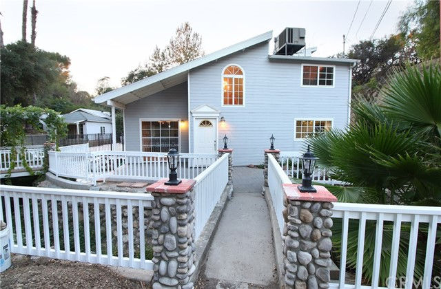 9643 Green Verdugo Drive Sunland, CA 91040 is listed for sale as MLS Listing BB16746798
