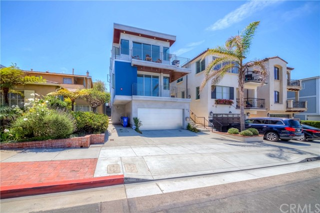 432 Marine Avenue, Manhattan Beach, California 90266, 3 Bedrooms Bedrooms, ,3 BathroomsBathrooms,Townhouse,For Sale,Marine,SB19277711