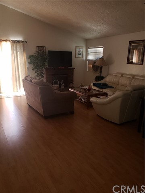 13815 Pheasant Knoll Lane, Moreno Valley CA: http://media.crmls.org/medias/b96578d5-af67-44a4-afac-b1fa64b5d4da.jpg