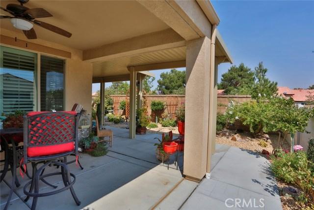11457 Mint Street, Apple Valley CA: http://media.crmls.org/medias/b97b49e5-785e-4ac8-880f-56ee80e90b9a.jpg