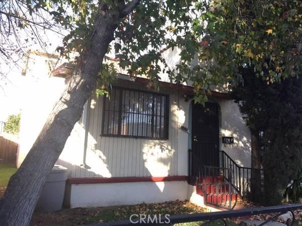 1705 E 113th Street, Los Angeles CA: http://media.crmls.org/medias/b97c0e36-6b38-4a1a-956d-43489ba1826f.jpg