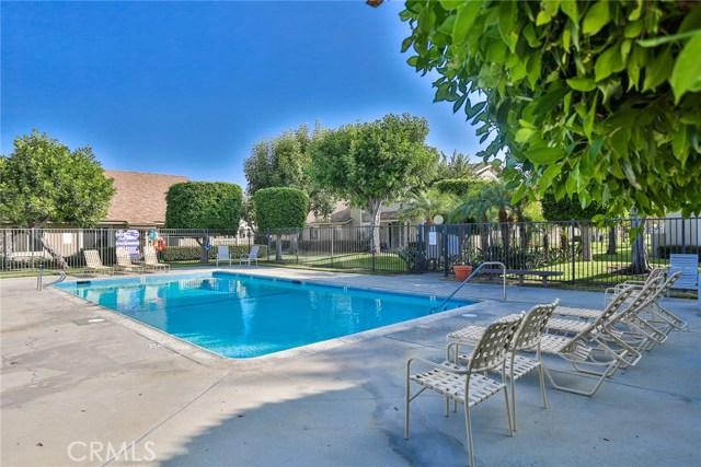 6712 Sun Drive, Huntington Beach CA: http://media.crmls.org/medias/b9830187-5762-43e4-a357-011f70d1b38c.jpg