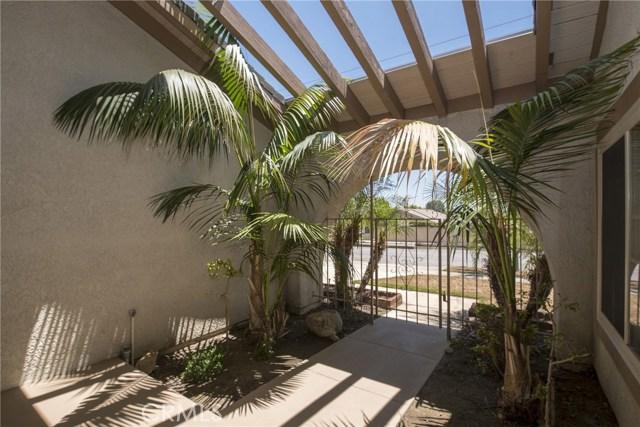 995 W 15th Street, Upland CA: http://media.crmls.org/medias/b983ec06-5349-42fc-b5d9-76fd391b44df.jpg