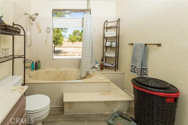 5535 N Riverside Avenue, Rialto CA: http://media.crmls.org/medias/b995bb9e-ae05-4776-9ddb-548b28039e16.jpg