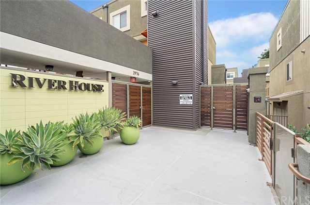 Photo of 2970 Ripple Place #201, Los Angeles, CA 90039