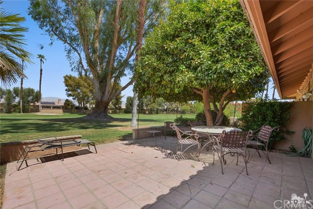 77626 Woodhaven Drive, Palm Desert CA: http://media.crmls.org/medias/b9a7f693-c535-4f8d-bc30-b1b3dde8344b.jpg