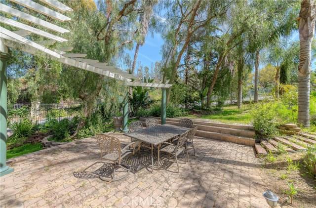 685 Noble Rd., Simi Valley CA: http://media.crmls.org/medias/b9a88d36-dd4b-48de-97e6-36090f250f69.jpg