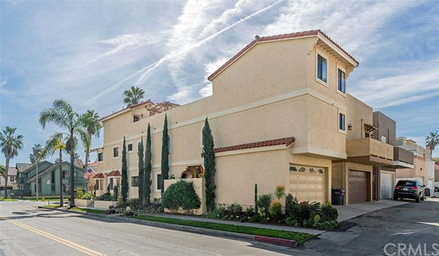 Single Family Home for Sale at 227 21st Street Huntington Beach, California 92648 United States