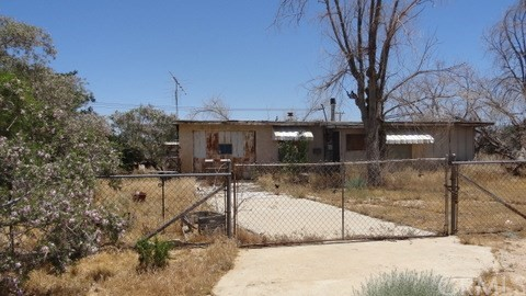 11237 Tujunga Road Apple Valley, CA 92308 - MLS #: PW17226543