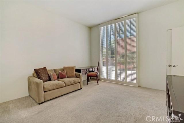 47043 Arcadia Lane, Palm Desert CA: http://media.crmls.org/medias/b9ea3150-f295-4025-83d7-ef427116f398.jpg