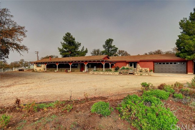 7830  Blue Moon Road, Paso Robles, California