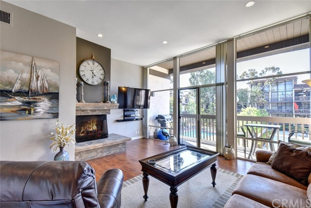 Condominium for Rent at 6221 Marina Pacifica Drive Long Beach, California 90803 United States