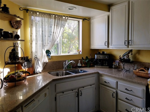 24308 Sage Court, Laguna Hills CA: http://media.crmls.org/medias/ba0a9e65-baf2-4094-8fd5-66eb8de0cf83.jpg
