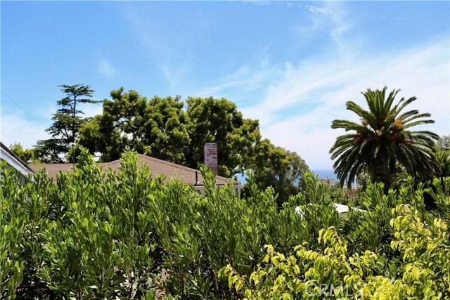 460 Saint Anns Drive, Laguna Beach CA: http://media.crmls.org/medias/ba3e0d27-e82c-493a-8f02-845403bf5fe9.jpg