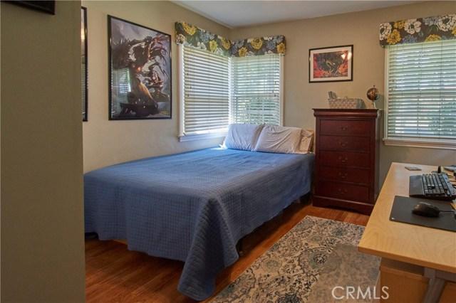 312 E Bonnie Brae Court, Ontario CA: http://media.crmls.org/medias/ba3fa9b8-8e7d-4474-873f-1c9ae0a19ad5.jpg