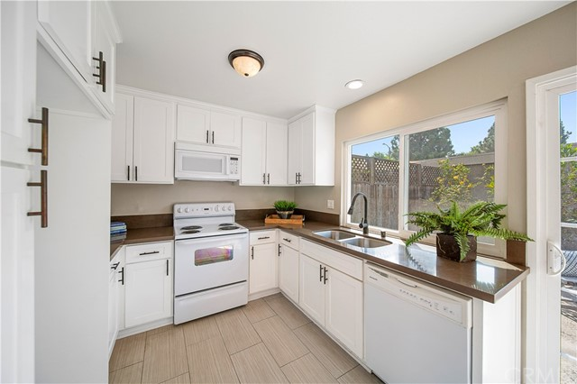 7091 Fulton Way, Stanton, California 90680, 3 Bedrooms Bedrooms, ,1 BathroomBathrooms,Residential Purchase,For Sale,Fulton,NP20214742